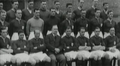bfea08967bc Arsenal team 1925. The squad ...