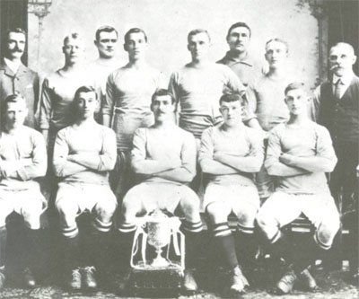 Manchester City team photo in 1904