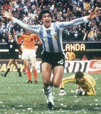 Mario Kempes against the final against the Netherlands