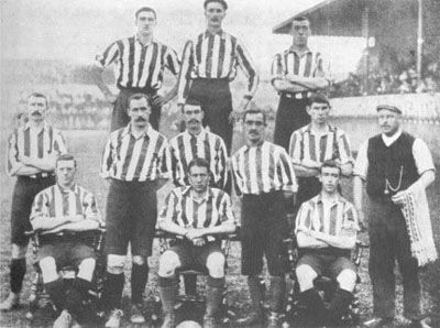 f4d7c112edc The team in the season 1901-1902.